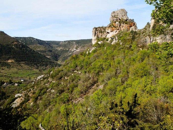 ruines chateaux Capluc
